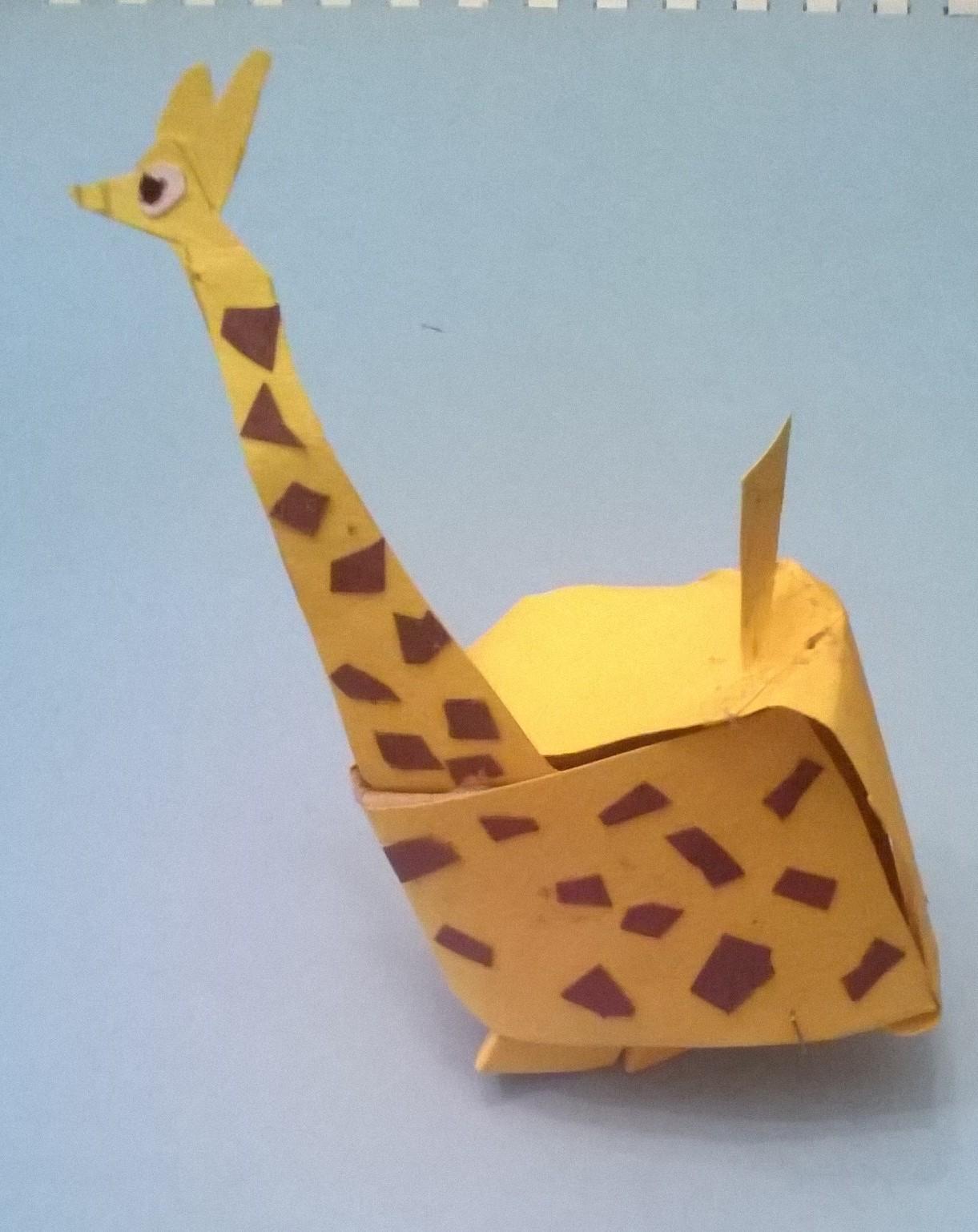 giraffa di cartone